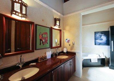 caribbean-luxury-rentals-villa-tuscany-puerto-rico-rio-mar-bathroom